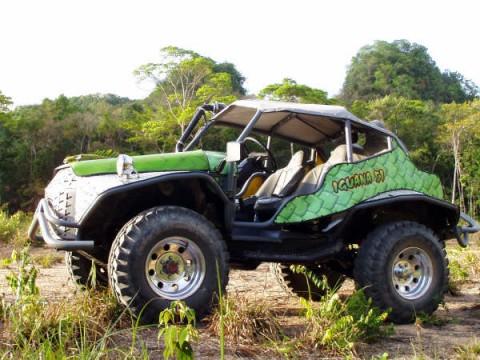 iguana-off-road-vehicle-belize05-23-07042.
